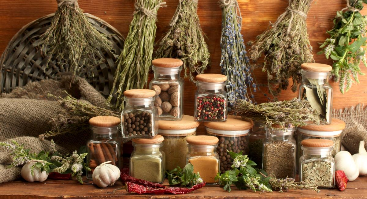Βότανα και μπαχαρικά: ανεκτίμητα δώρα της φύσης !