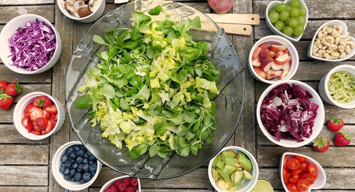 Μπαχαρικα και βοτανα για dressing σαλάτας με υπέροχη γεύση!
